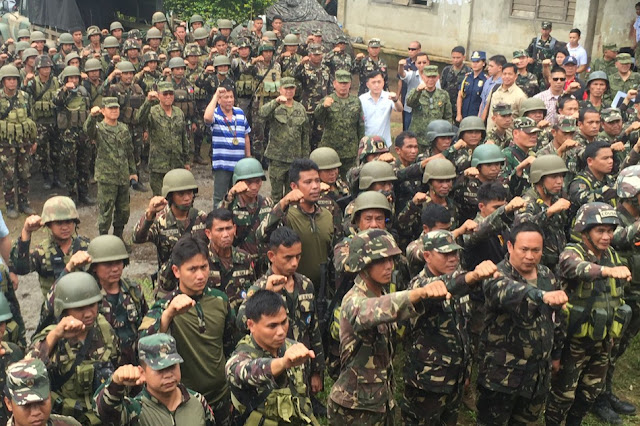 "President Duterte Visited An Active Warzone In Lanao Del Sur: ""I come in peace. I do not want war."""