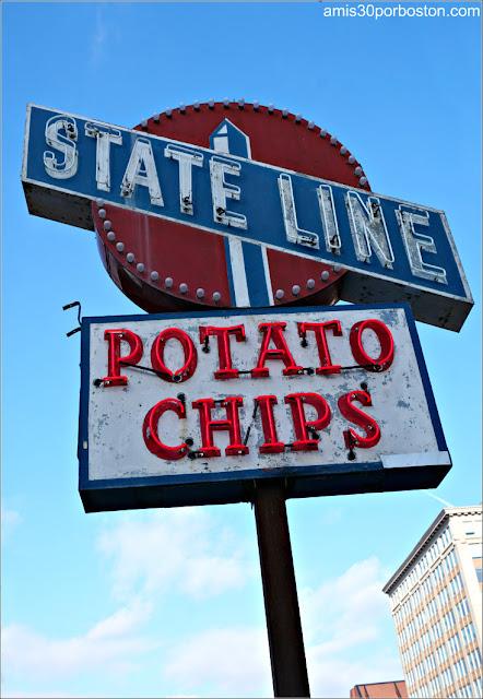 Rótulo de Neón del State Line Potato Chips de Wilbraham