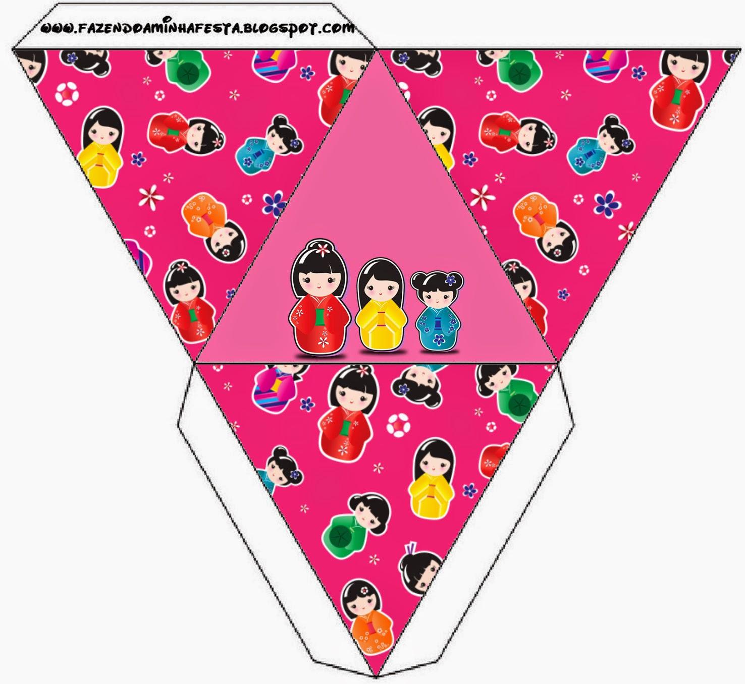 Caja con forma de pirámide de Matrioshkas.