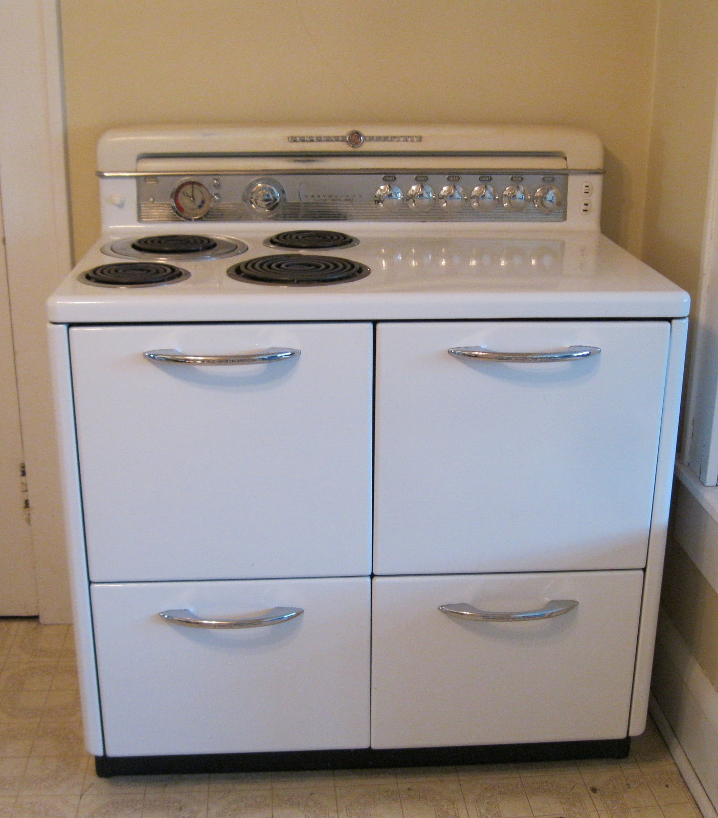 Vintage Ge Electric Stoves For Sale ~ Apron history the general electric quot stratoliner