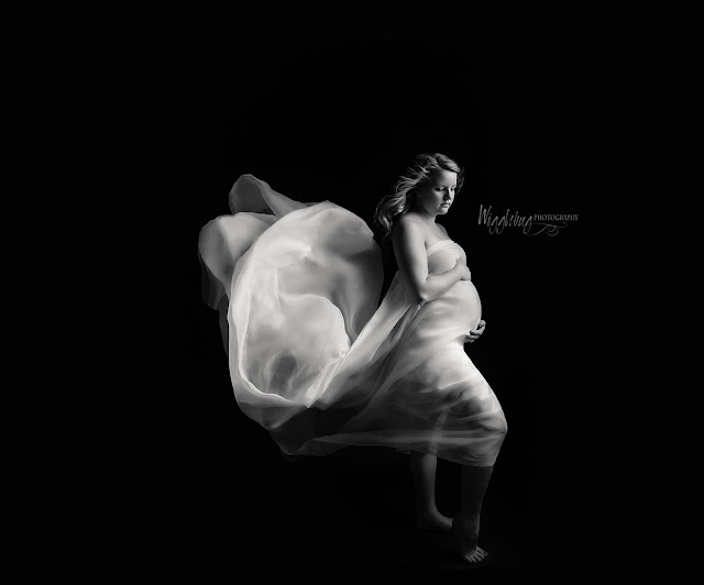 Mini Maternity Studio session at Wiggelbug Photography DeKalb, IL Newborn Photographer