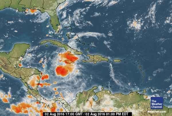 Tormenta tropical Earl a punto de convertirse en huracán