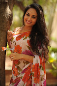 Marala Telupana Priya Working Stills-thumbnail-7