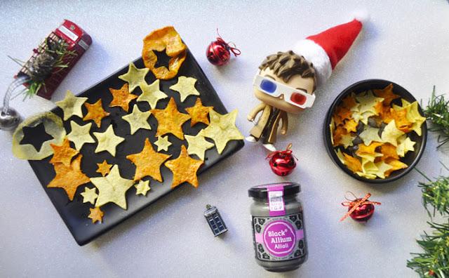estrellas de boniato y patata y alioli de ajo negro
