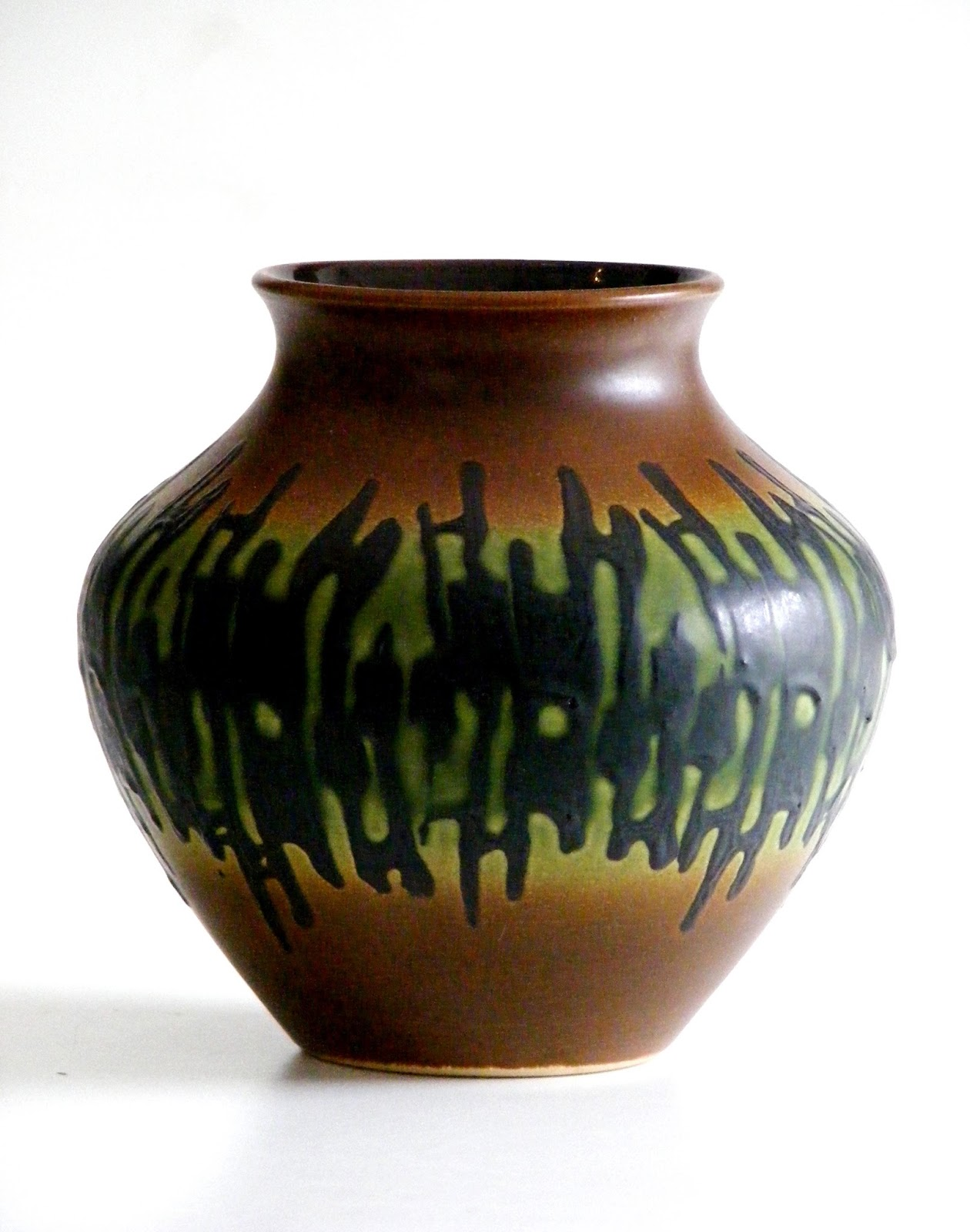 Vamp furniture west german vases at vamp04 november 2017 note the sizes as most are quite small please click on individual photos for details call us on 021 448 2755 or email us on infovampfurniture reviewsmspy
