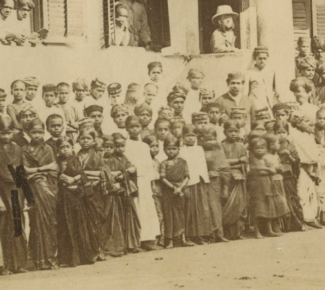 Photo+Brahmin+Girl%2527s+School+MANGALORE+India+c1870s++2