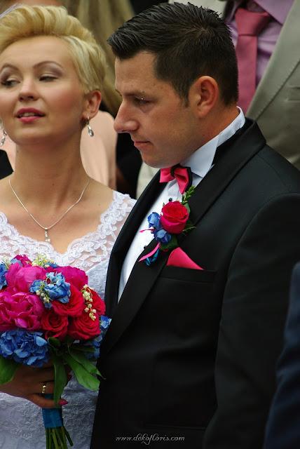 Bukiet ślubny i butonierka z różowych piwonii, konwalii i hortensji