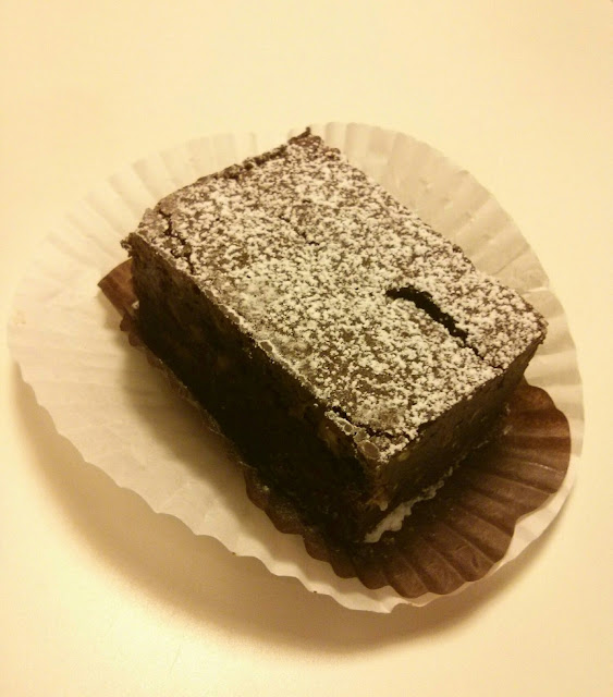 flourless hazelnut brownie