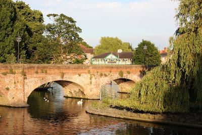 Древний мост в Стратфорде