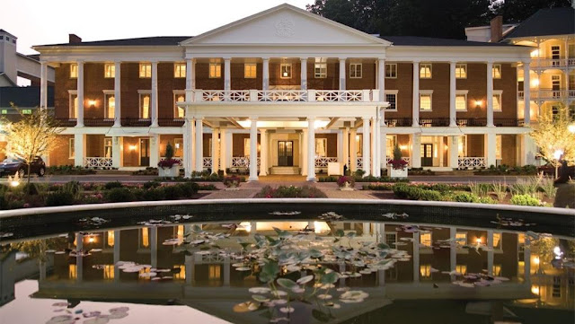 Offering a premier experience, Omni Bedford Springs Resort in Pennsylvania boasts a relaxing spa, cutting-edge conference center and 18-hole golf course.