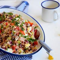 Salada de atum e feijão frade