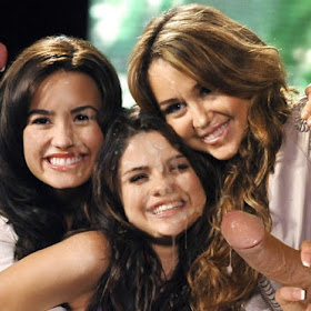 miley-cyrus-selena-gomez-nude-itzone-young-sext