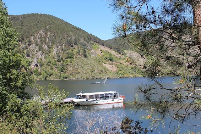 Rutas en catamarán por el río Sil. Ribera Sacra, Orense