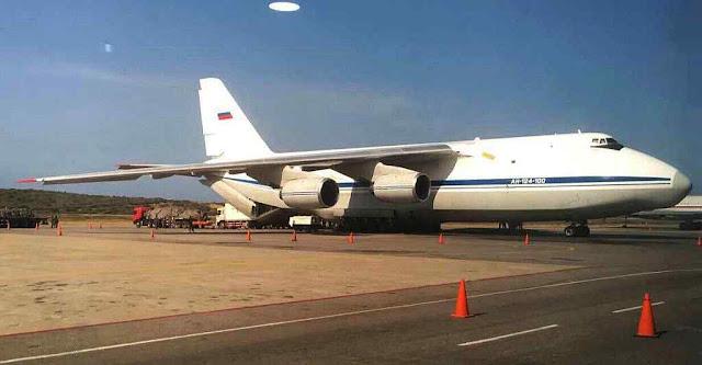 Cargueiro Antonov-124 descarregou 35 toneladas de equipamentos militares em Caracas