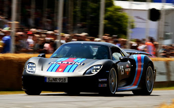 Wallpaper: Porsche 918 Spyder Martini Racing Edition