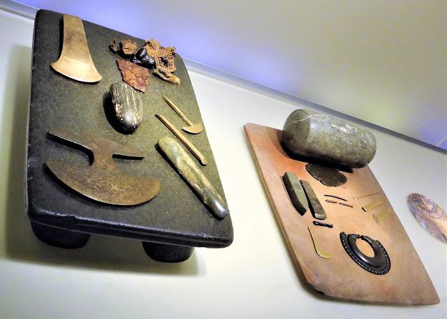 ワックス糸と薄いシートを作るために使用された石テーブル