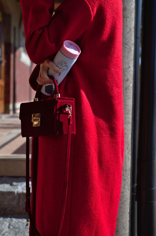 czerwony płaszcz hm; czerwone kozaki zara; różowa spódnica; pink #winterred