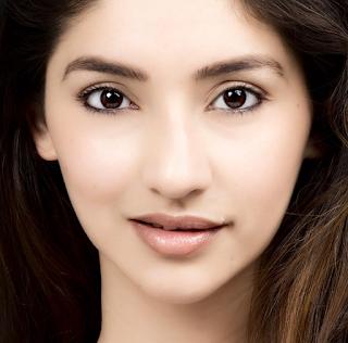 Kumpulan Foto Tanvi Vyas Cantik Terbaru