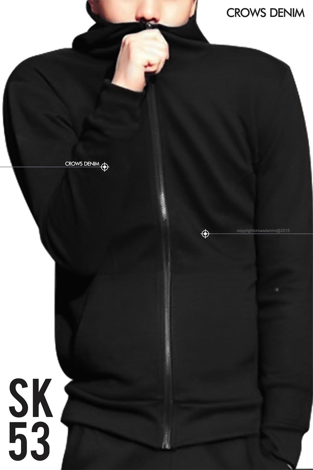 jaket hitam kerudung