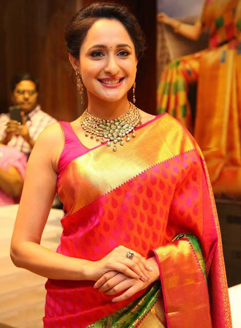 actress hot images in saree pragya jaiswal