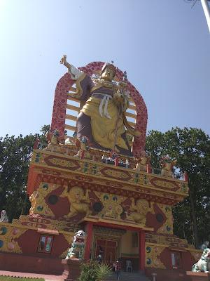 बुद्घा टेंपल: Tibetan Buddhist Temple - Place to Visit in Dehradun