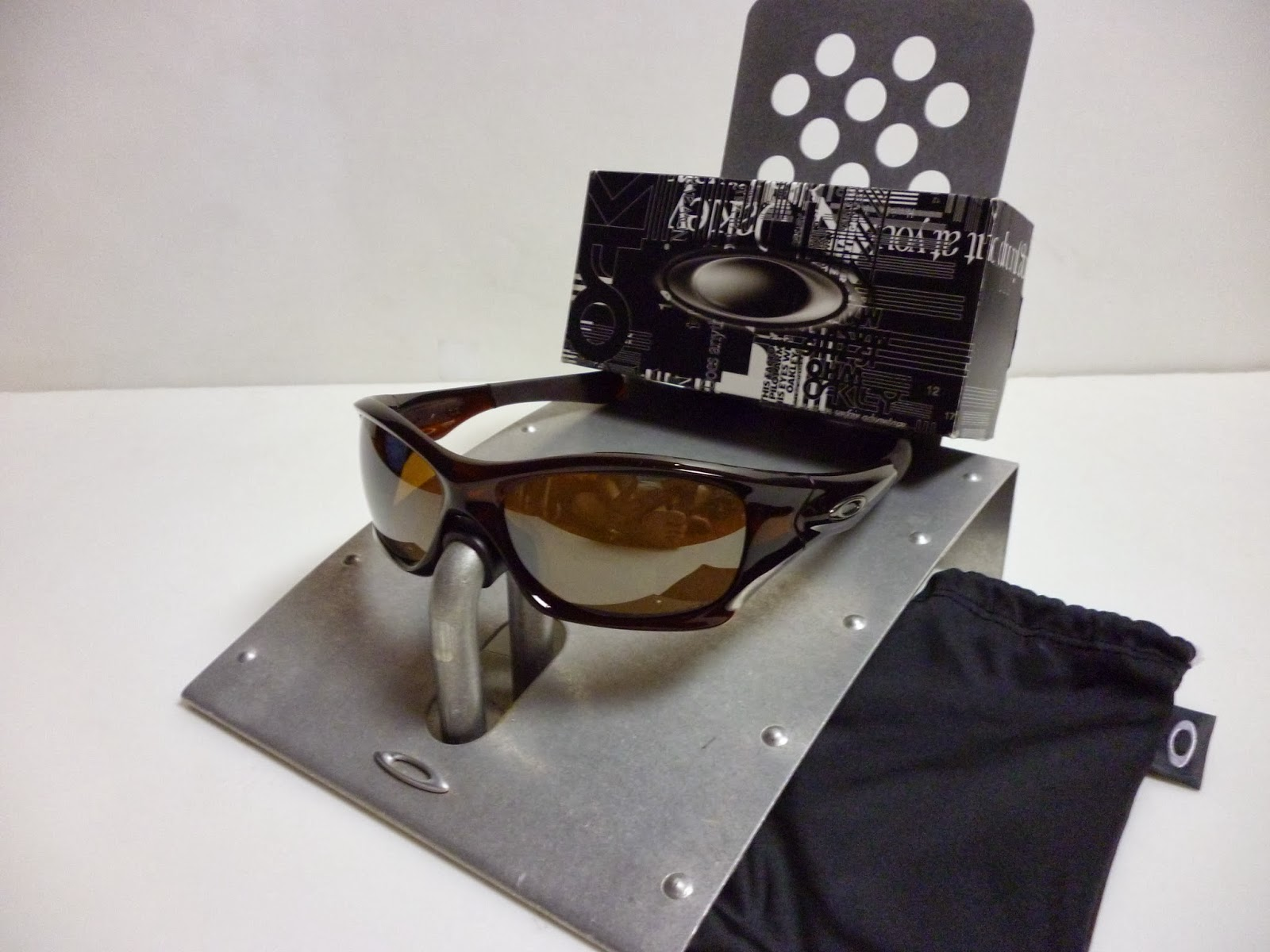 c6a5492c50e9 Sam s Oakley Collection from SG Singapore  OAKLEY PIT BULL POLISHED ...