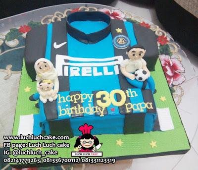 Kue Bentuk Baju Seragam Bola Jersey Arsenal