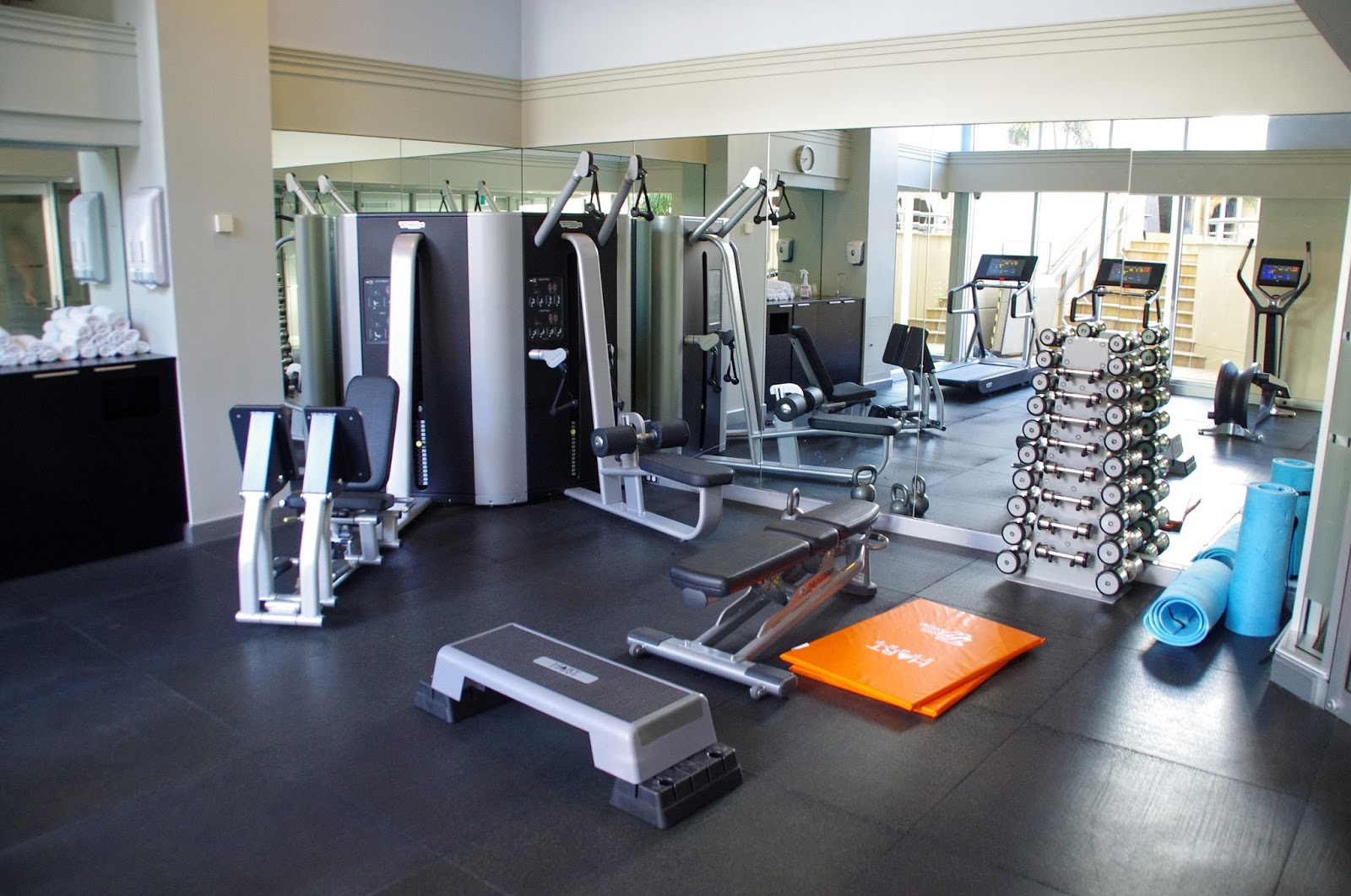 Gym at swissotel Sydney