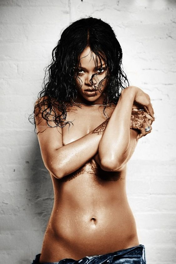 from Davin rihanna naked with another gir
