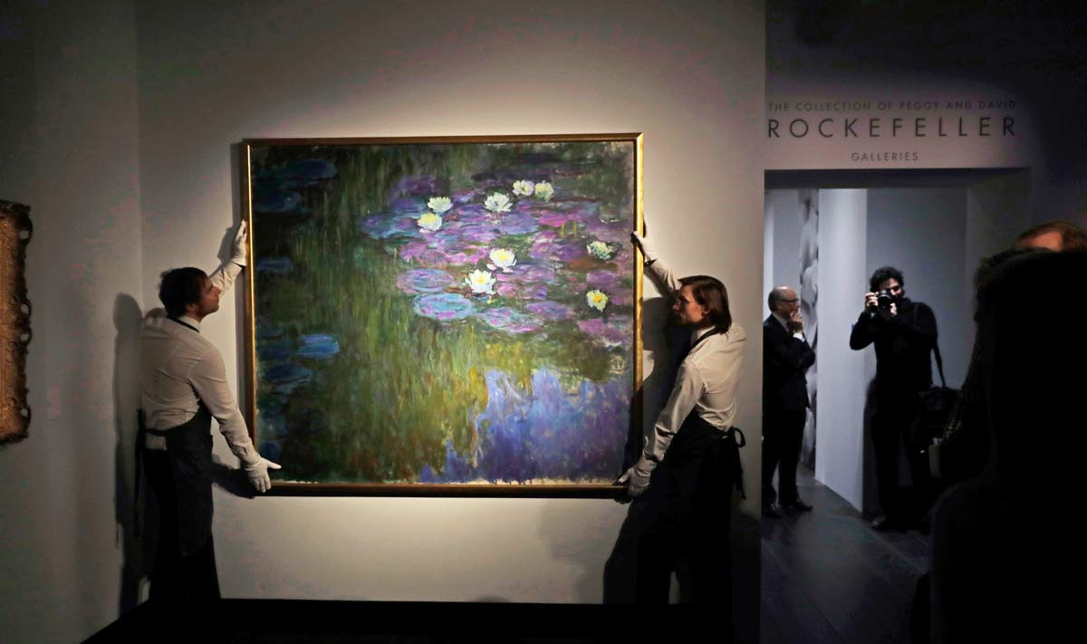 Claude Monet s Nymphéas en fleur Painting Sells for  84.7 Million ... 527a681dbb14