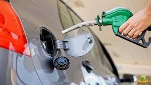 Gobierno continua bajando los combustibles