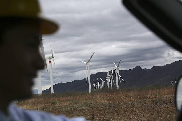 Centros de dados do Google e os escritórios para seus 60.000 funcionários serão integralmente alimentados por energia renovável a partir do próximo ano