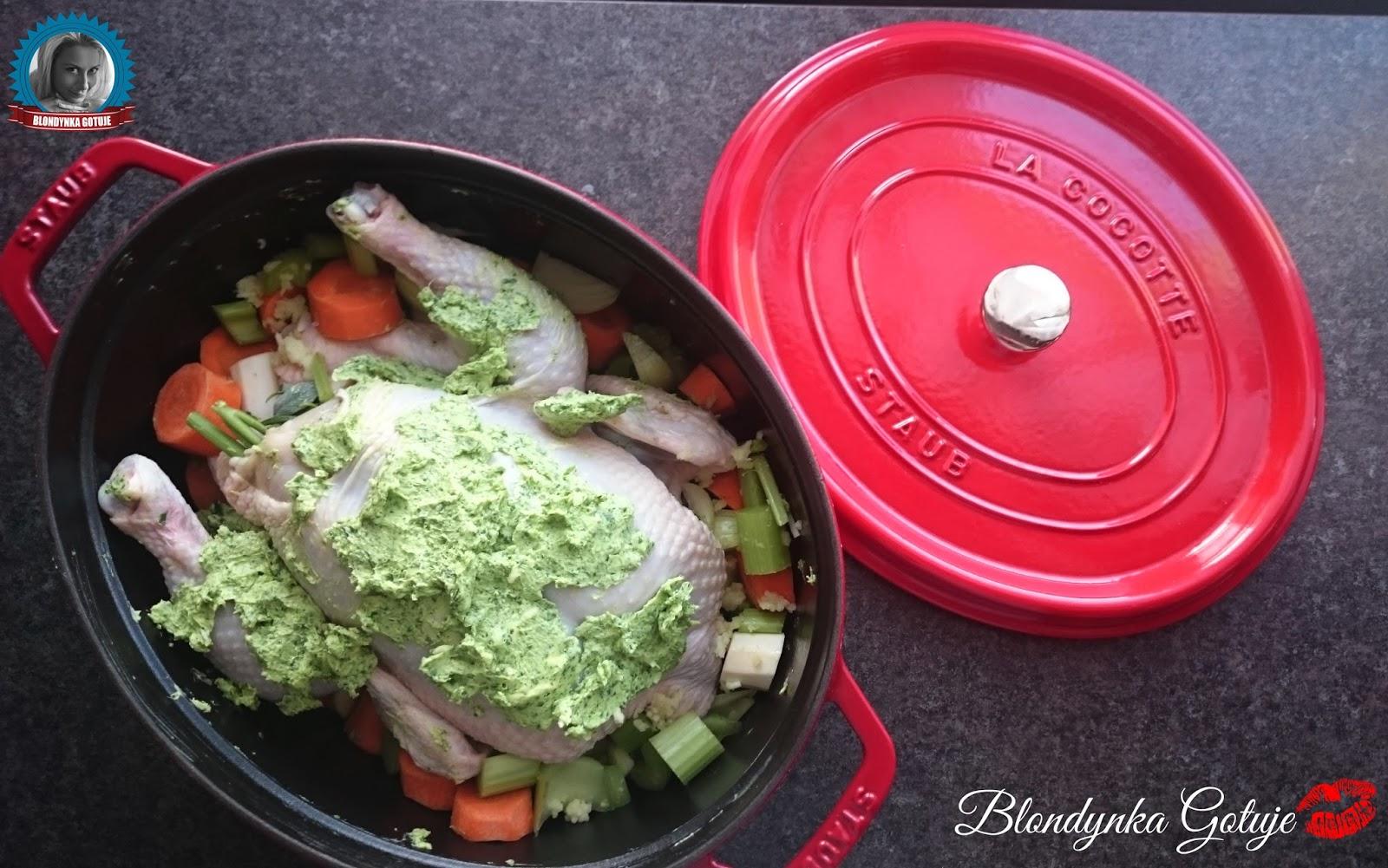 Pieczony kurczak z masłem ziołowym