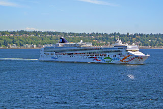 Norwegian Pearl departs Seattle, Summer 2016, Alaska Cruise