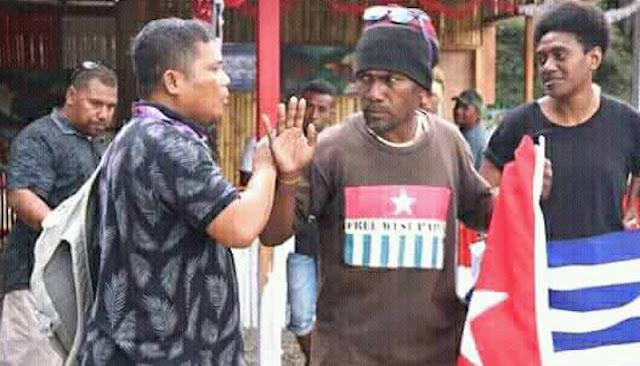 Bintang Kejora Dikibarkan di DepanStand Indonesia dalam MACFest di Honiara