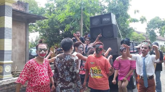 persiapan jalan karnaval pulorejo 2
