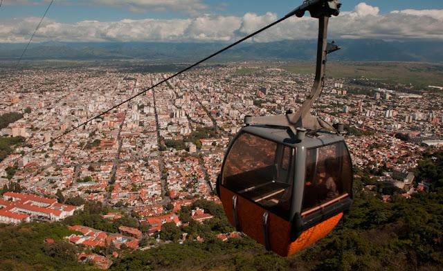 Teleférico para o Cerro San Pedro em Salta