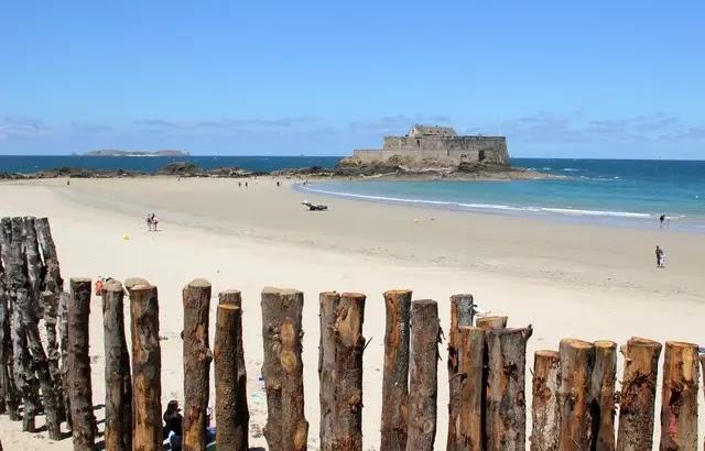 Déconfinement - Bretagne : «Je suis ouverte à rouvrir certaines plages», assure la préfète de région