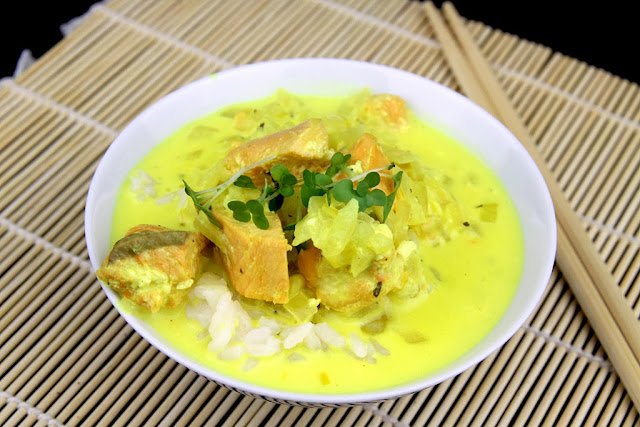 Curry z łososiem
