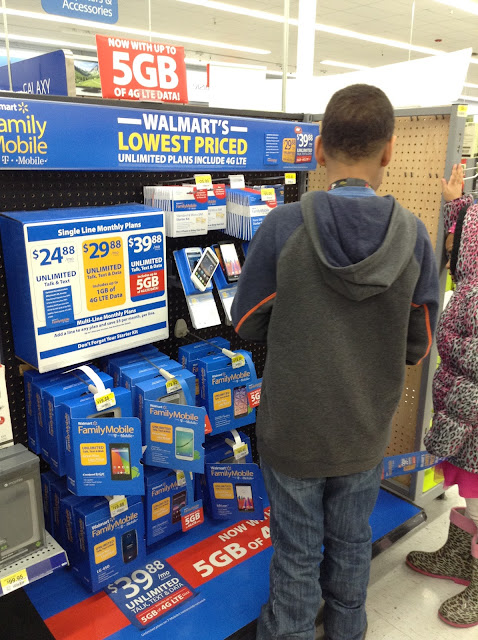 Shopping for a new phone at Walmart #FamilyMobile