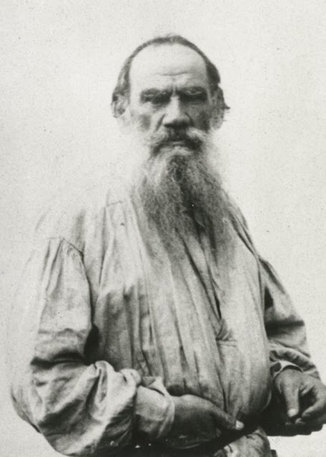 Leon Tolstoi ( Лев Толстой ): Фарфоровые куклы, Tales of mystery, Relatos de terror, Horror stories, Short stories, Science fiction stories, Italo Calvino, Leggenda di Carlomagno, Anthology of horror, Antología de terror, Anthology of mystery, Antología de misterio, Scary stories, Scary Tales, Science Fiction Short Stories, Historias de ciencia ficcion