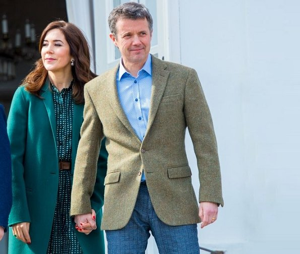 Princess Isabella and Crown Princess Mary in Massimo Dutti Reversible coat