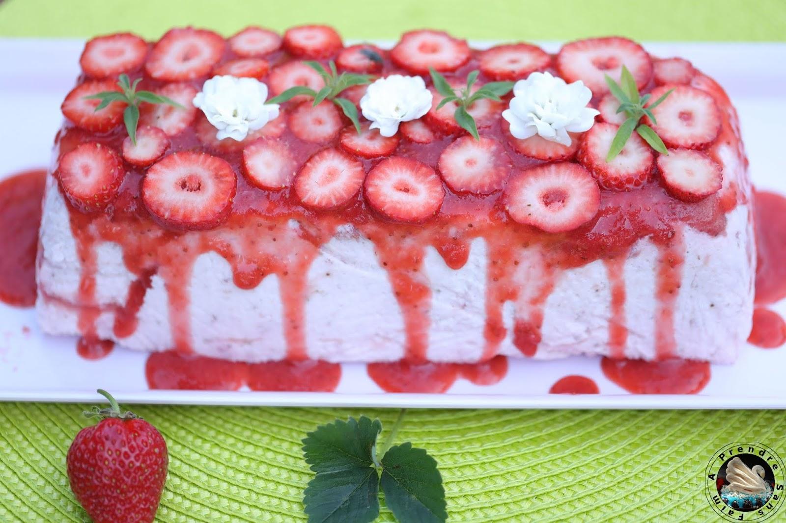 Charlotte aux fraises en terrine