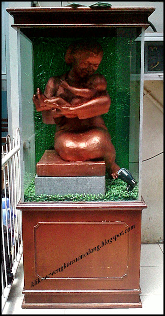 Patung Seorang Ibu Wewengkon Sumedang