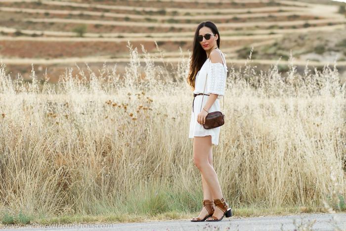 Influencer de moda belleza con estilo de Valencia