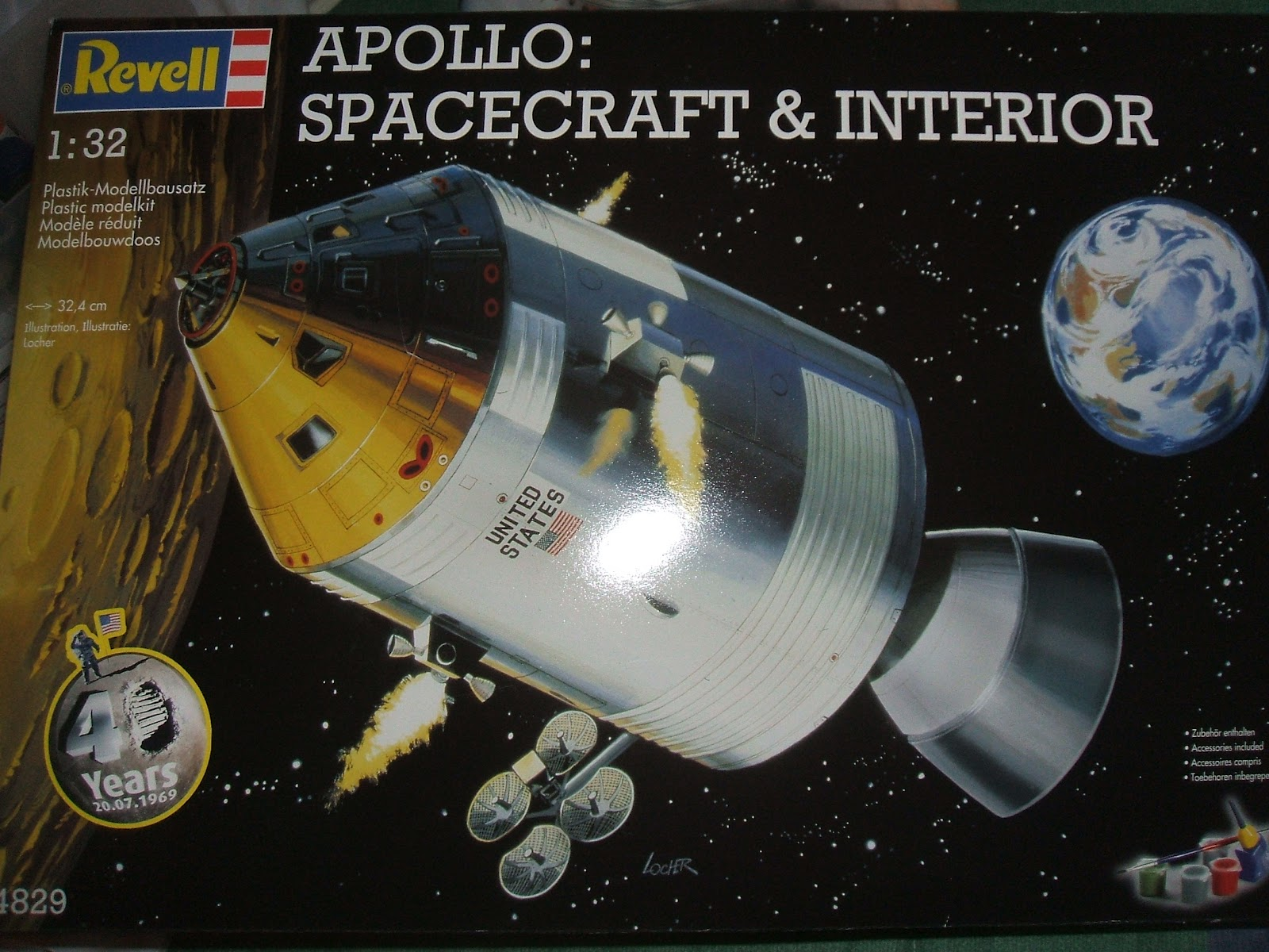 Inside Apollo Spacecraft - Pics about space