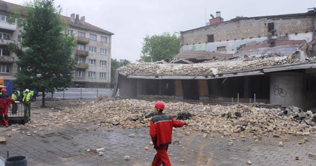Vaiva Снос фасада здания