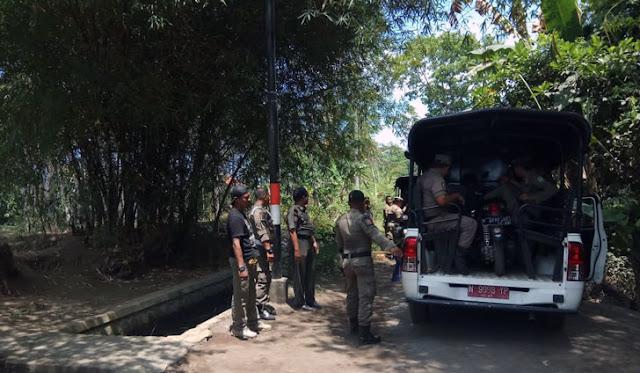Petugas melakukan penyisiran di eks lokaliasi