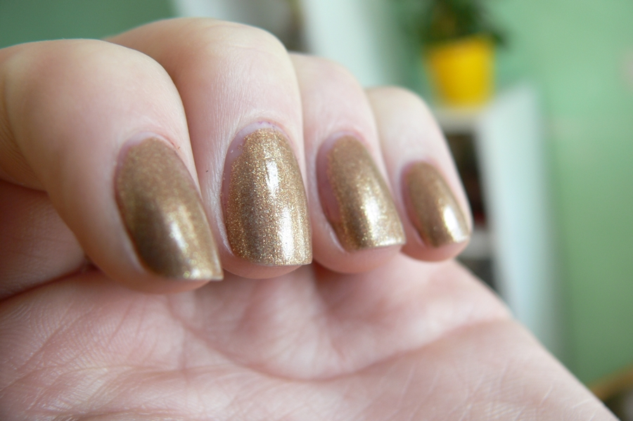Avon Gel Finish Glimmer Swatche