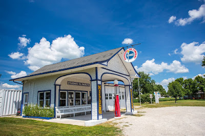 Old gas station Odell Route 66 Illinois_by_Laurence Norah